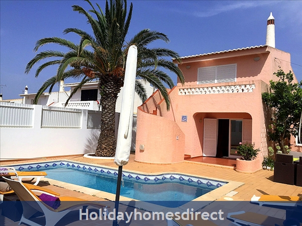 Detached house with large Private Pool