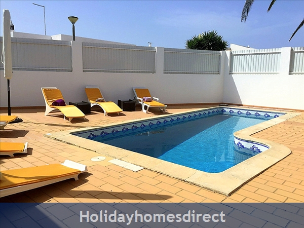 Quinta Bela Vista Casa 28. Praia Da Luz. Detached Villa With Three Bedrooms And Private Pool.: Spacious Exterior and Private Pool