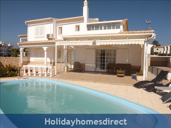 Villa Casanova with 5 bedrooms, AC, Wifi, Pool, beach and golf nearby -  Olhos de Agua/Albufeira - Walking distance to beach and restaurants, 45412/AL