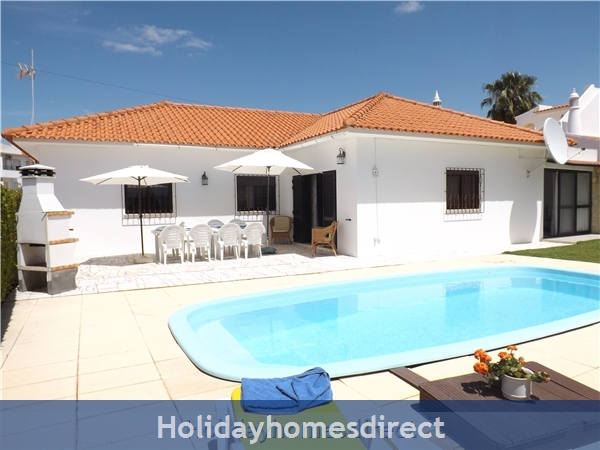 Villa Claramar with 4 Bedrooms, AC, private Pool Near Albufeira - Olhos D´agua - Walking Distance To Beach And Restaurants - 26248/AL