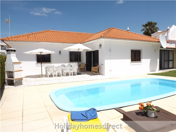 Villa Claramar With 4 Bedrooms, Private Pool Near Albufeira - Olhos D´agua - Walking Distance To Beach And Restaurants - Free Airport Transfers: Image 7