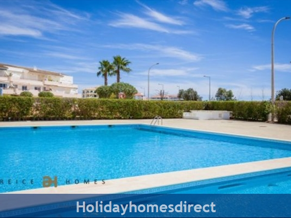 Vilamoura Near Marina & Beach (please See Property Location On Google Maps Image Above): Swimming pool