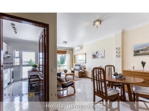 Vilamoura Near Marina & Beach (please See Property Location On Google Maps Image Above): Kitchen and living room