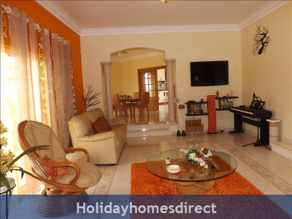 Villa Estrelamar - Vilamoura - W/4 Bedrooms, Ac, Wifi, Private Pool And Garden, Beach Nearby: Image 6