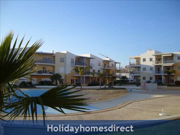 Apartment in Alvor, Western Algarve, Portugal - Luxurious 2 Bedroom Apartment, 5min To Beautiful Beaches Of Alvor