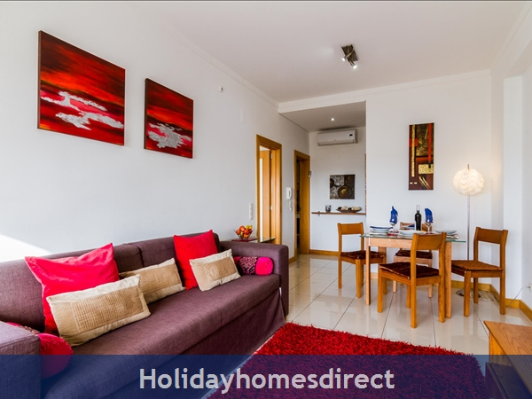 Luxury Barracuda Beach Front Apartment Albufeira....stunning Beach And Ocean Views Free Wi-fi,: D26