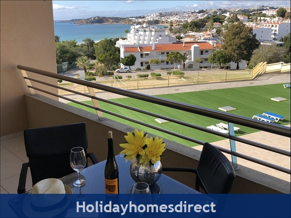 1 Bed Luxury Apartment,  Areias de Sao Joao,  Albufeira Free Wi-fi,