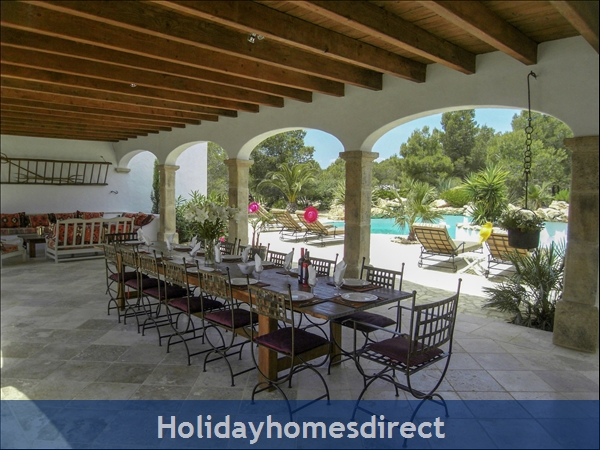 Large Mexican Hacienda - 6 Bedrooms - 14 Guest - 5 Minutes From The Beach: Terrace Area