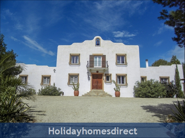 Large Mexican Hacienda - 6 Bedrooms - 14 Guest - 5 Minutes From The Beach: Front Facade