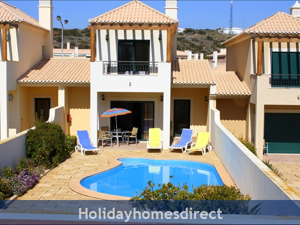 DomusIberica Villa 3. Burgau.  With 3 bedrooms.. private pool, sea view and walk to the beach.