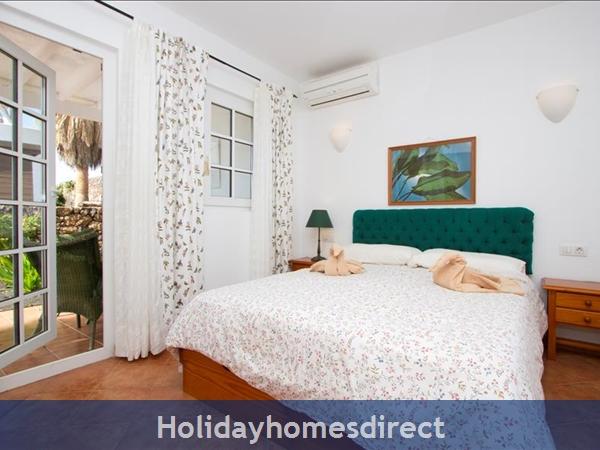 Villa Antares master bedroom in Lanzarote