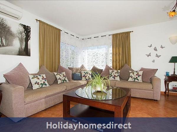 Villa Antares indoor seating area