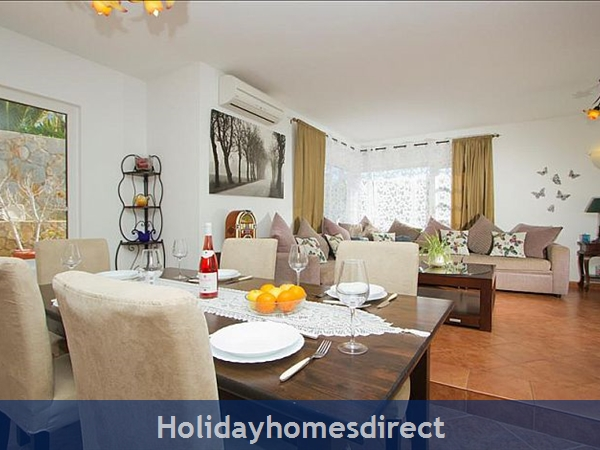 Villa Antares indoor dining table