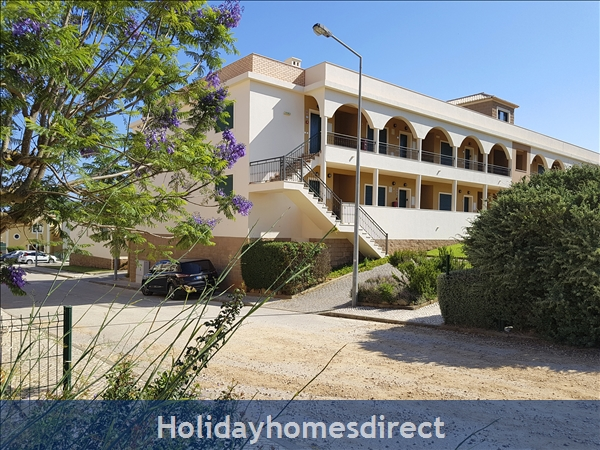 Domusiberica Apartment Fd.. In Burgau Village Walk To Everywhere Including The Beach.: Domus Iberica Burgau Apt D in Block F