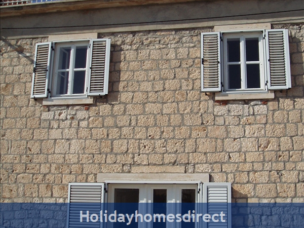 Pretty 3 bedroom Seaside Villa in Milna, Brac Island (BC009)
