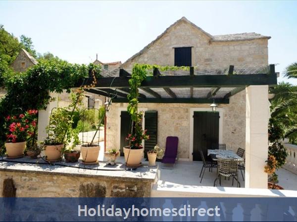 Superb 4 Bedroom Villa In Splitska, Brac Island (bc023): Image 6