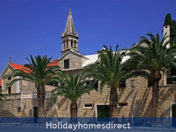 Superb 4 Bedroom Villa in Splitska, Brac Island (BC023)