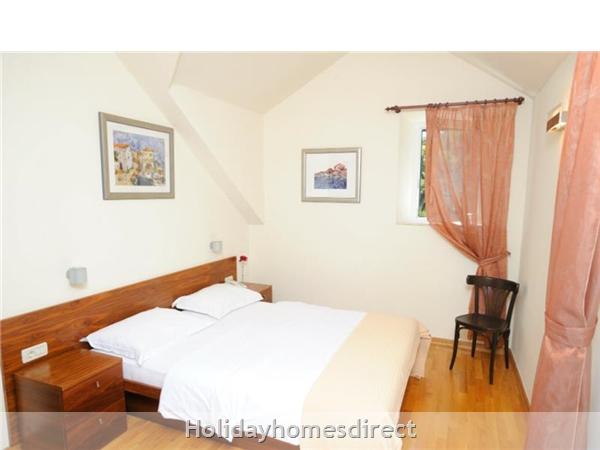 Superb 4 Bedroom Villa In Splitska, Brac Island (bc023): Image 9