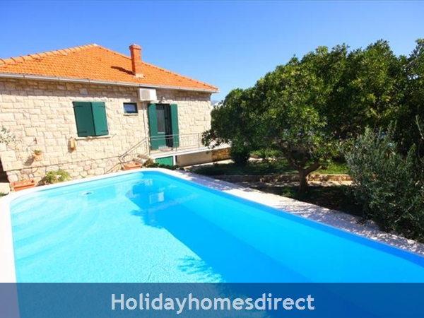 4 Bedroom Sea Front Villa with Pool in Postira, Brac Island, Sleeps 8 (BC053)