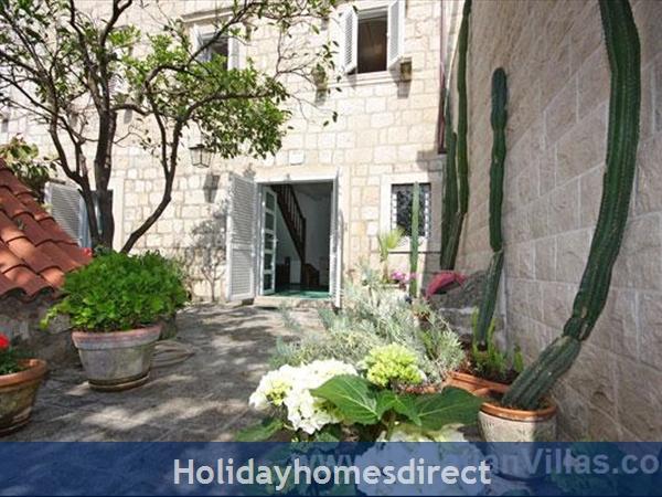 Beautiful Four Bedroom Villa In Cavtat Near Dubrovnik (du001): Image 4