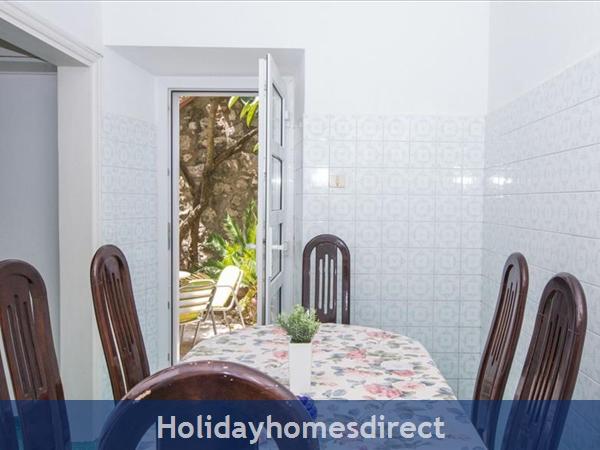 Beautiful Four Bedroom Villa In Cavtat Near Dubrovnik (du001): Image 7