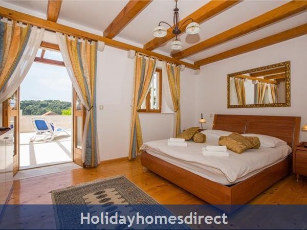 2 Bedroom Villa In Cavtat Near Dubrovnik, Sleeps 4-6 (du028): Image 9