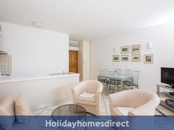 2 Bedroom Villa In Cavtat Near Dubrovnik, Sleeps 4-6 (du028): Image 5