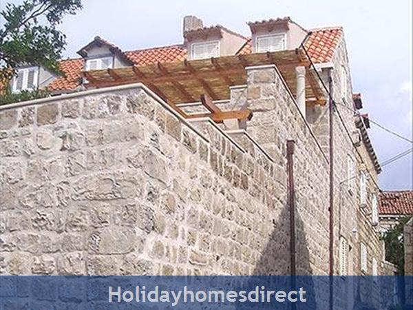2 Bedroom Villa In Cavtat Near Dubrovnik, Sleeps 4-6 (du028): Image 4