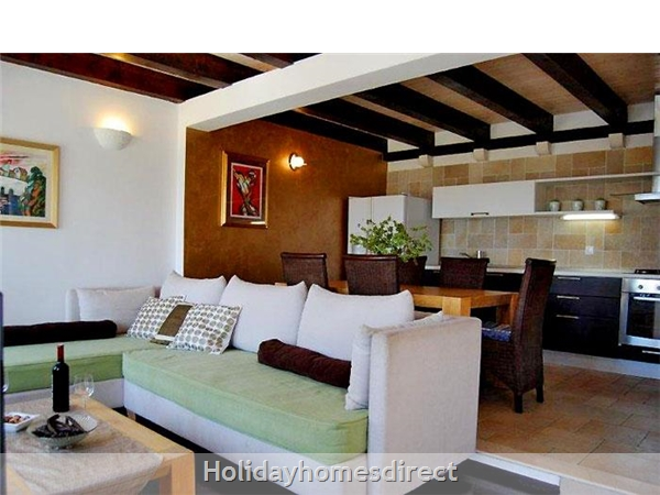 Five Bedroom Villa With Pool In Orasac Near Dubrovnik (du083c): Image 8