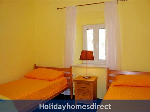 Five Bedroom Villa With Pool In Orasac Near Dubrovnik (du083c): Image 6