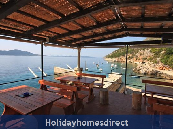 Five Bedroom Villa With Pool In Orasac Near Dubrovnik (du083c): Image 2