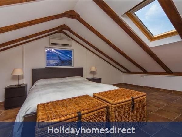 Five Bedroom Villa In Cavtat Near Dubrovnik With Sea Views (du122): Image 5