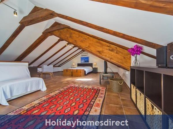 Five Bedroom Villa In Cavtat Near Dubrovnik With Sea Views (du122): Image 4