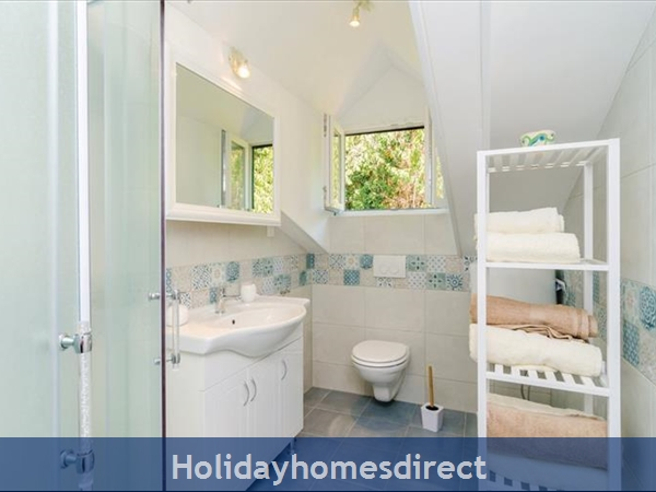 3 Bedroom Villa With Pool In Seaside Brsecine Near Dubrovnik, Sleeps 6 ( Du167): Image 14