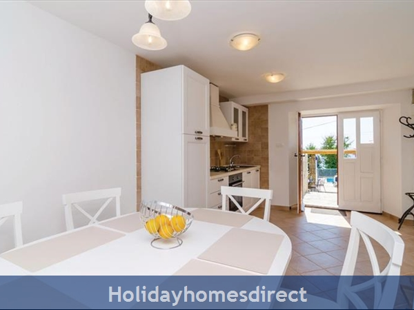 3 Bedroom Villa With Pool In Seaside Brsecine Near Dubrovnik, Sleeps 6 ( Du167): Image 8