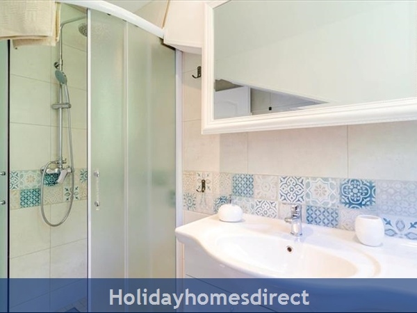 3 Bedroom Villa With Pool In Seaside Brsecine Near Dubrovnik, Sleeps 6 ( Du167): Image 15