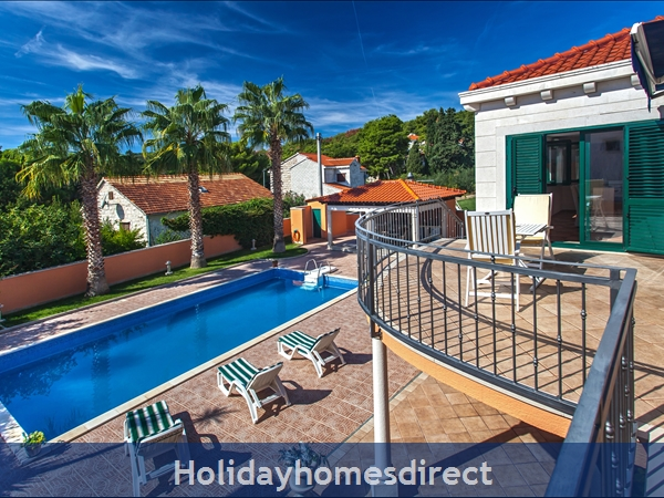 Villa Rasotica, Sumartin, Brac Island – 3 bedroom villa with pool