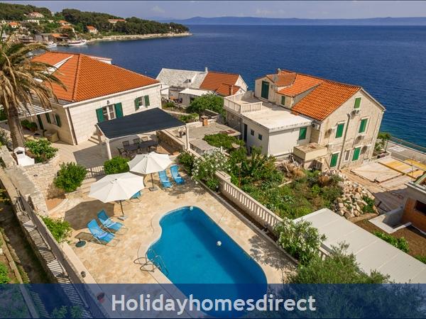 Villa Mir Vami, Sumartin, Brac Island – 4 bedroom villa with pool