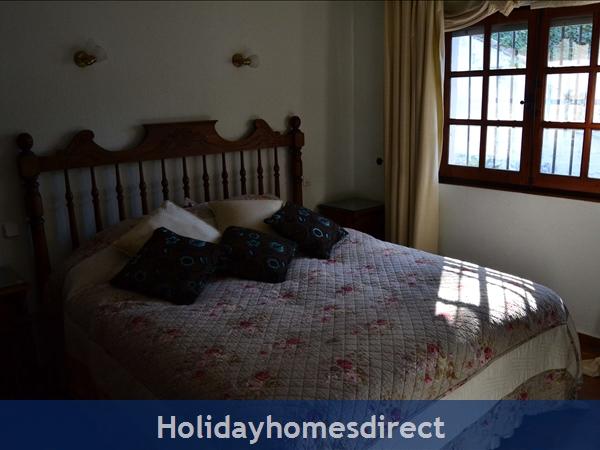 Casa Michael - El Paraiso Medio, Marbella: Main Villa - Bed 4 (Ensuite)