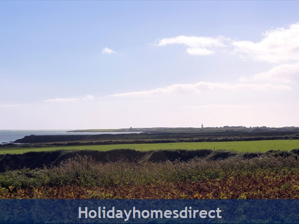 Hookless Holiday Homes: Image 5