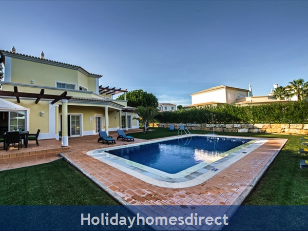 Casa Vila Sol – 4 Bedroom Holiday Villa In Vilamoura Algarve: Image 2