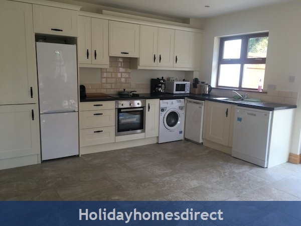 Holiday Home To Rent In Dingle Town: Image 2