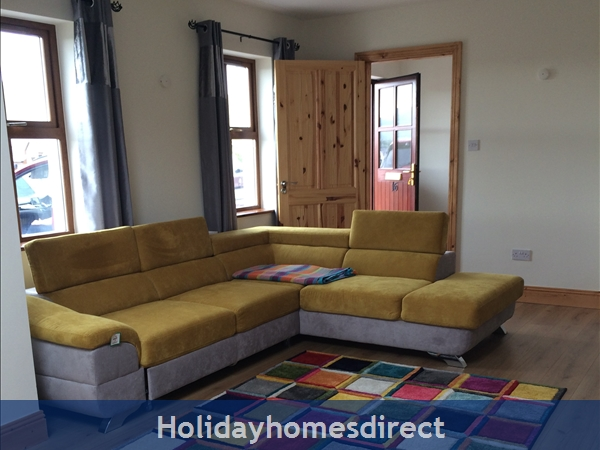 Holiday Home To Rent In Dingle Town: Image 7