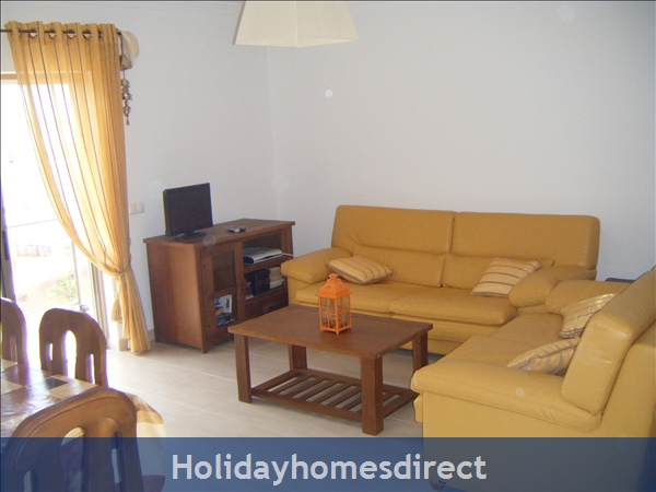 Solario De Sao Jose,3 Lovely Apartments From 450 Euros A/w, Games Room,free Squash Court,swing Park,bbq's On The Roof,sauna And A Free Gym.: Image 1 A beautiful apartment overlooking the pool