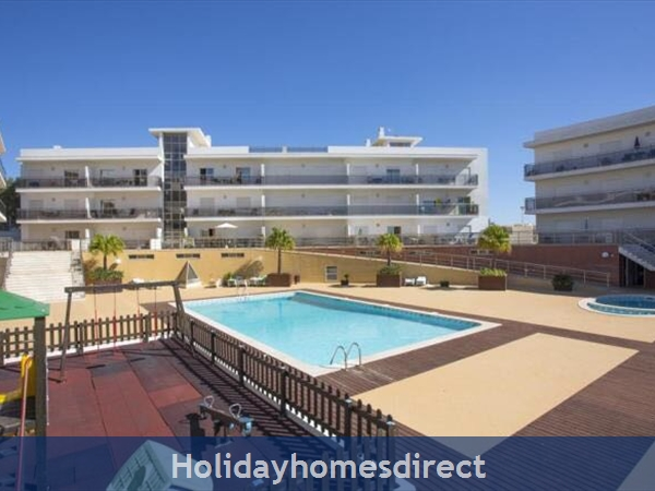 Solario De Sao Jose,3 Lovely Apartments From 450 Euros A/w, Games Room,free Squash Court,swing Park,bbq's On The Roof,sauna And A Free Gym., Portugal