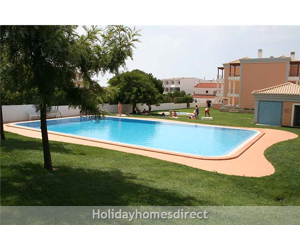 Apartment Aqua Brisa With Lovely Swimming Pool Area, Close To Olhos D'agua Beach And Maria Luisa Beach: Image 4
