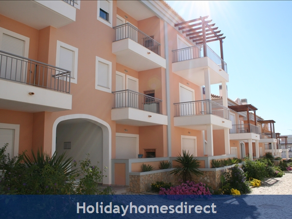 Apartment Aqua Brisa With Lovely Swimming Pool Area, Close To Olhos D'agua Beach And Maria Luisa Beach: Image 9