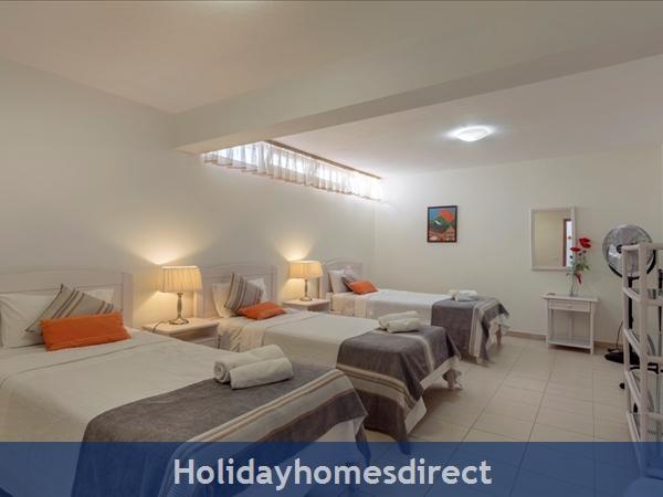 5 Bedroom Luxury Villa At Vila Sol Vilamoura (1117): Image 9
