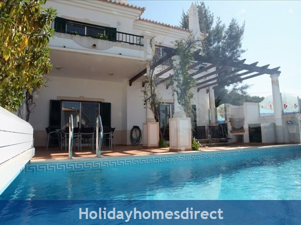 3 Bedroom town house with large pool (2408)