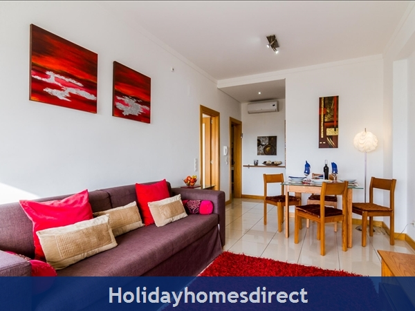 Luxury Barracuda Beach Front Apartment, Albufeira With Stunning Ocean & Beach Views....free Wi-fi,: Image 5